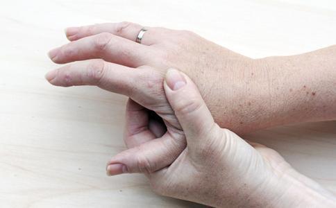На нервной почве чешется тело лечение