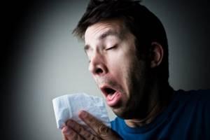 Как проявляется аллергия на попугаев