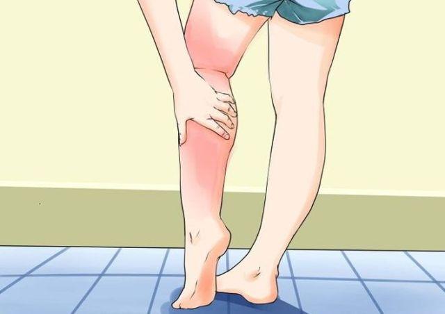 Сухой дерматит на ногах
