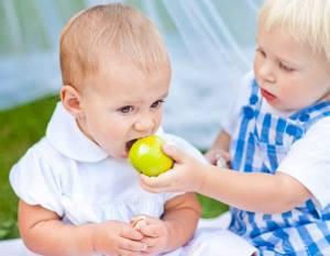 Аллергия на яблочный сок у ребенка